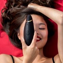 Бесконтактный клиторальный стимулятор Womanizer Premium (12 режимов)