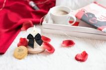 Массажная свеча для поцелуев MELT MY HEART со вкусом соленой карамели (70 мл)