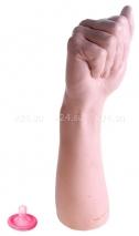 Кулак красотки Беладонны Bitch Fist