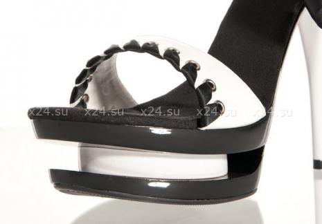 Туфли белые лакированные с черной лентой 36